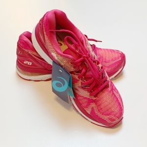 NWT ASICS GEL-Nimbus 20 Bright Rose/Apricot 10